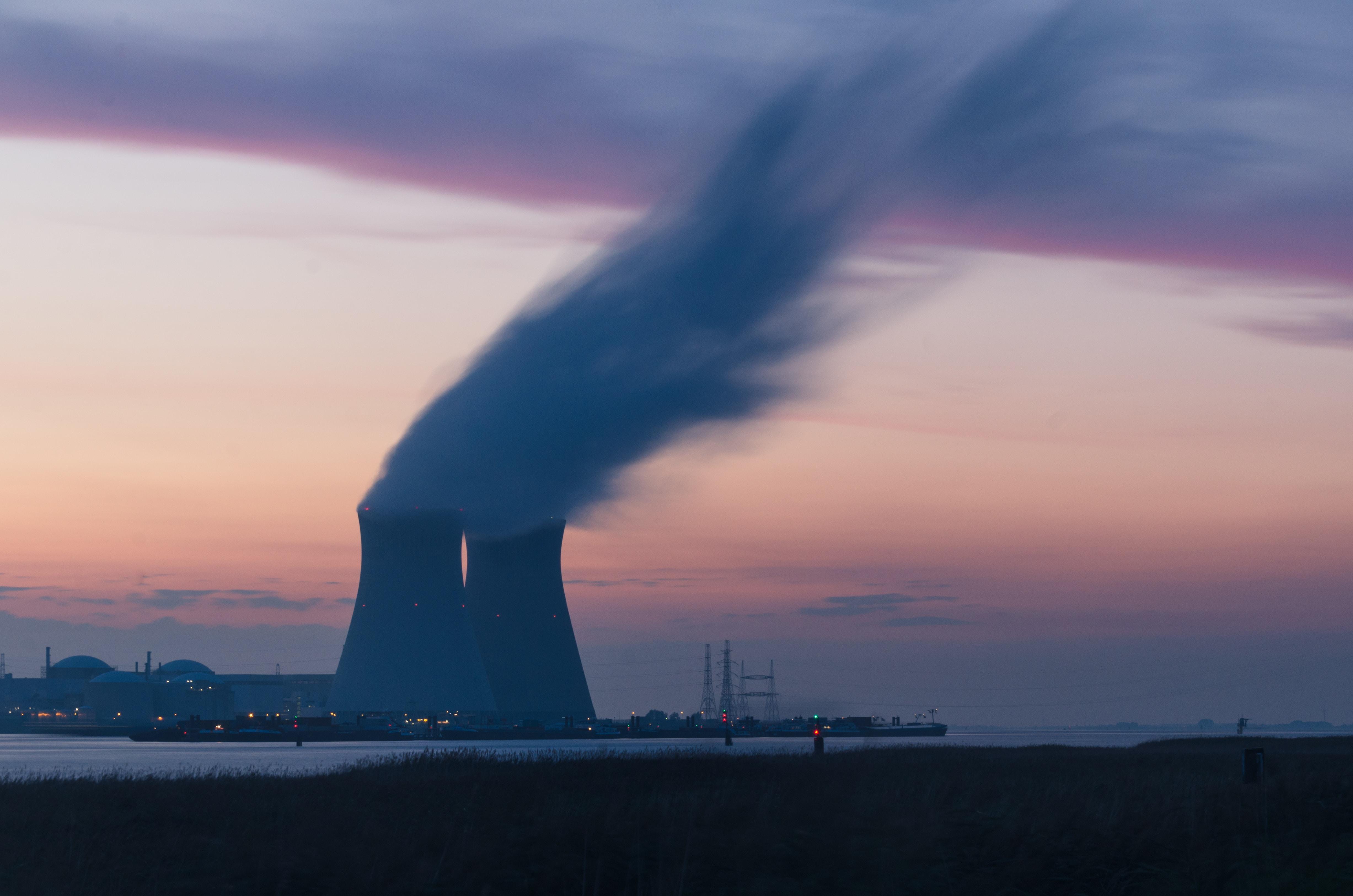 catastrophe technologique pollution chimique nucléaire